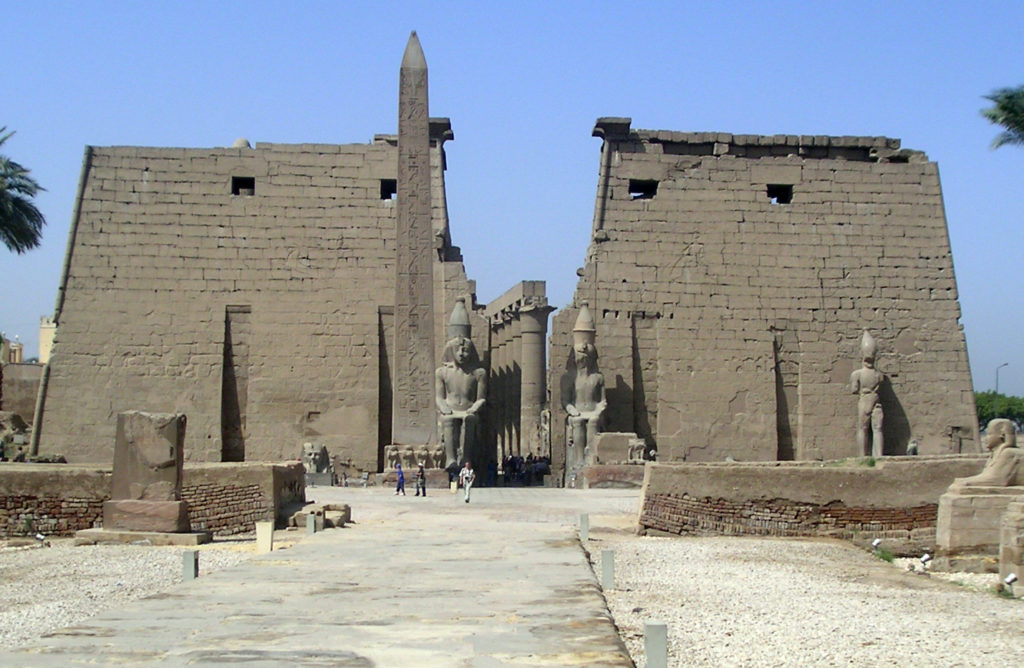 Die Pylone des Luxor-Tempels